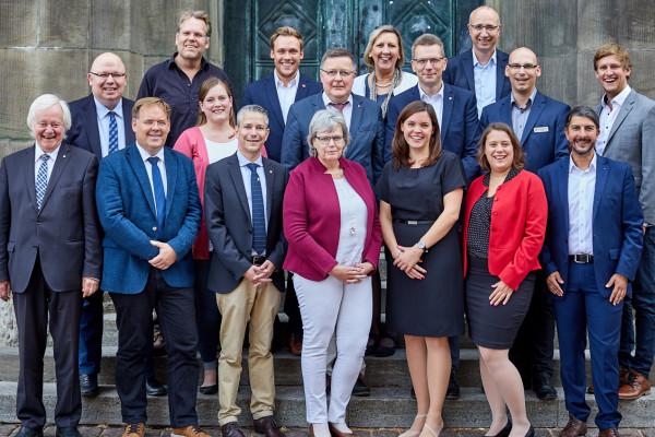 Foto der Kieler SPD Ratsfraktion 2018 vor dem Rathaus