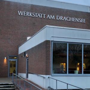 Eingang zru Werkstadt am Drachensee