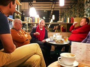 Mathias Stein bietet sein Bürgercafe beim Bäcker in Altenholz an.