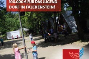 Spielende Kinder vor Nur-Dachhäusern in Falckenstein