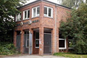 Eingangsportal der Friedrich-Junge-Schule im Kieler Stadtteil Schreventeich