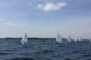 Jollen im Segelrennen auf der Kieler Woche