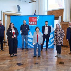 Preisträger*innen, Laudatorin, Festredner, Fraktionsvorsitzende